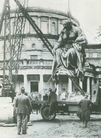The removal of the statue of Queen Victoria from outside the Irish parliament building, Leinster House, in 1948. Forty years later, at the request of the Lord Mayor of Sydney, the statue was shipped to Australia and re-erected outside the Queen Victoria Building in that city. It was probably on this occasion that a spectator stepped forward and waved a £5 note at the Queen, 101 years after her donation to famine relief sparked the events dissected in this essay.
